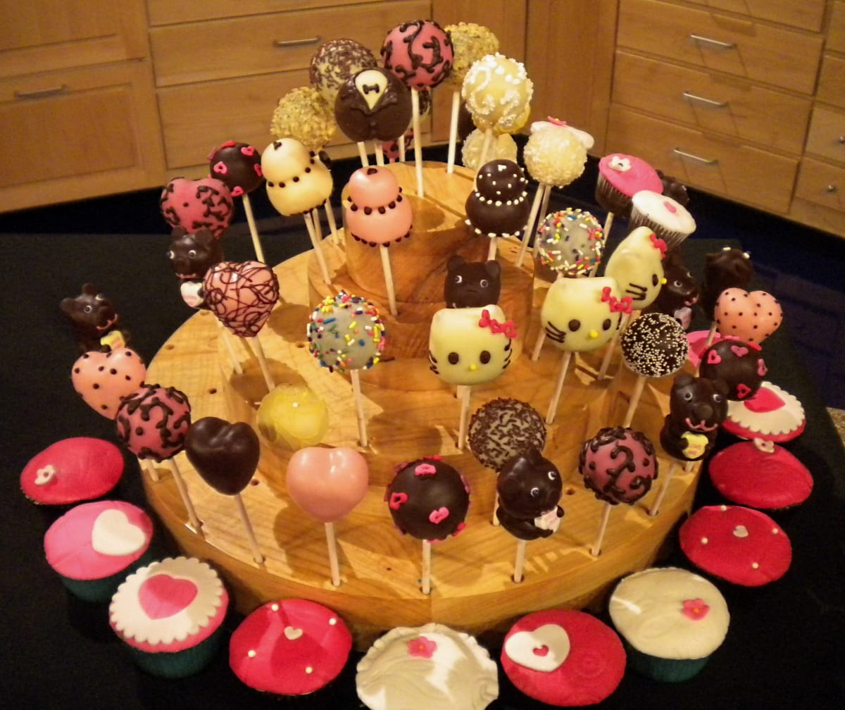 Hello Kitty and Valentine Cake Pops