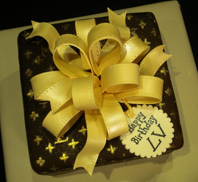 Louis Vuitton Gift Box Cake