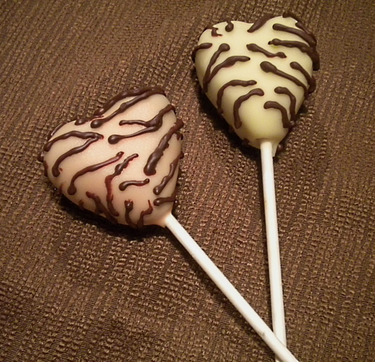 Zebra Striped Cake Pops