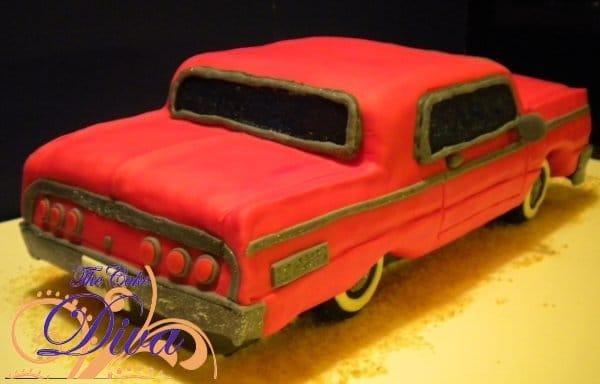 Red Groom\'s Car Cake