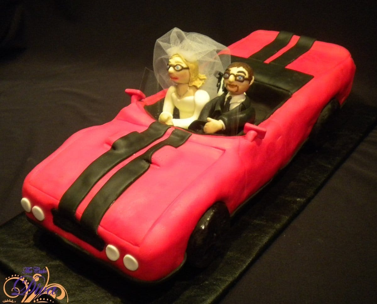 Cool Groom\'s Car Cake with Bride and Groom